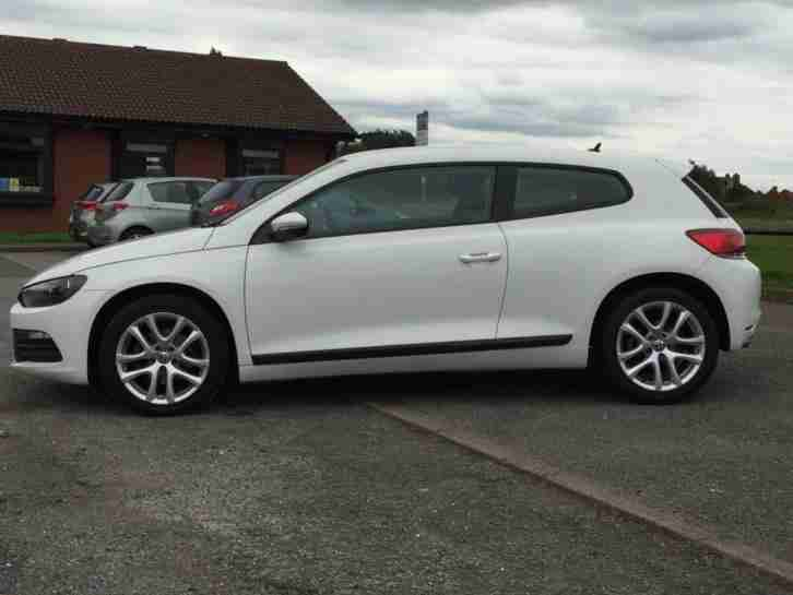volkswagen 2011 61 scirocco 2 0 tdi bluemotion technology 2d 140 bhp. Black Bedroom Furniture Sets. Home Design Ideas