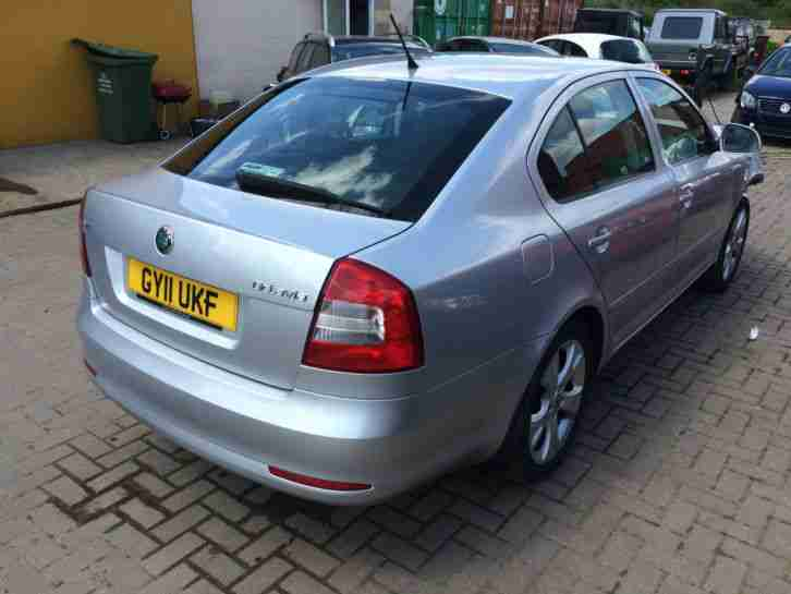 2011 SKODA OCTAVIA SE MPI SILVER SALVAGE DAMAGED REPAIR LOW MILLAGE
