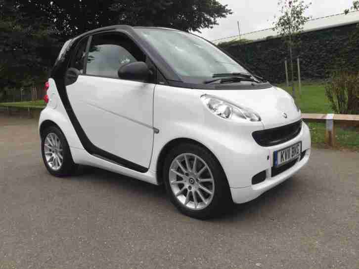 2011 SMART FORTWO COUPE Passion Auto