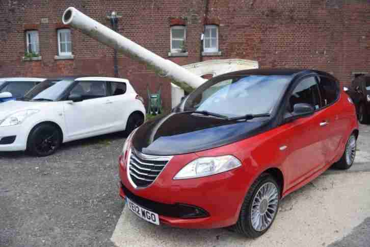 2012 12 YPSILON 1.2 BLACK AND RED 5D