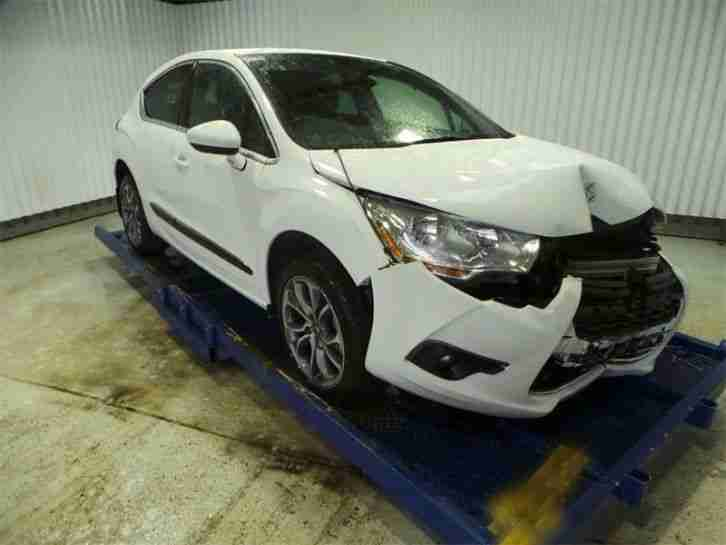 citroen 2012 12 ds4 dstyle hdi white damaged repairable. Black Bedroom Furniture Sets. Home Design Ideas