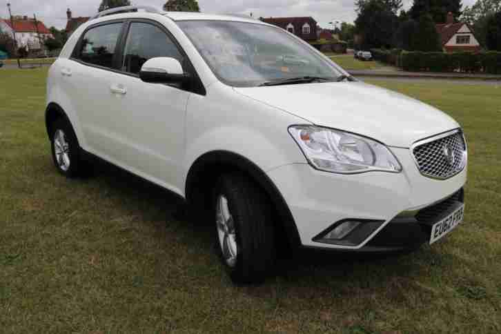 2012 (62) Ssangyong Korando 2.0TD ( 175ps ) S WHITE MANUAL DIESEL