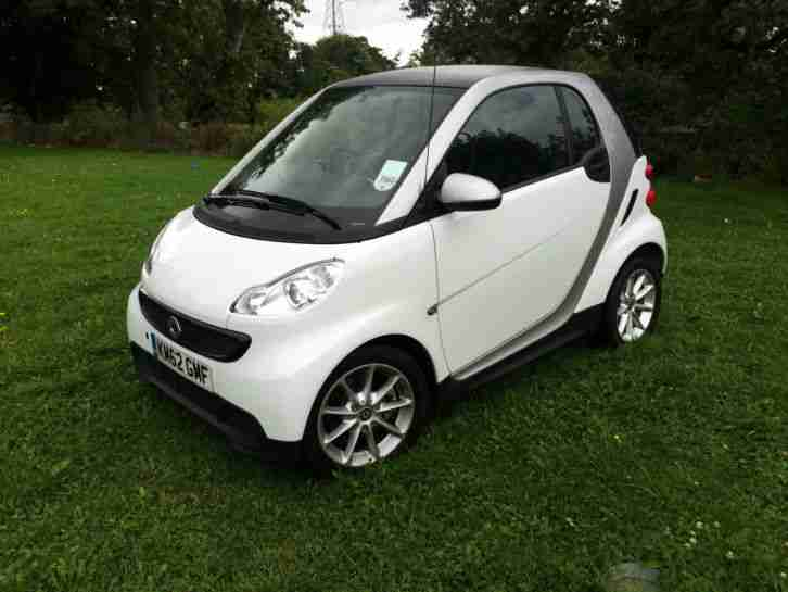 smart 2012 fortwo pure 61 mhd auto white l k car for sale. Black Bedroom Furniture Sets. Home Design Ideas