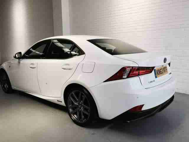 2013 63 Lexus IS300h F-Sport Hybrid White Auto
