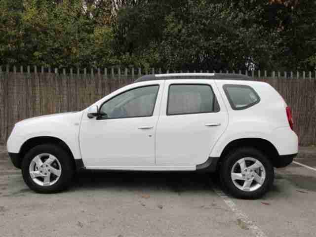 2013 dacia duster diesel estate 1 5 dci 110 laureate 5d diesel manual. Black Bedroom Furniture Sets. Home Design Ideas