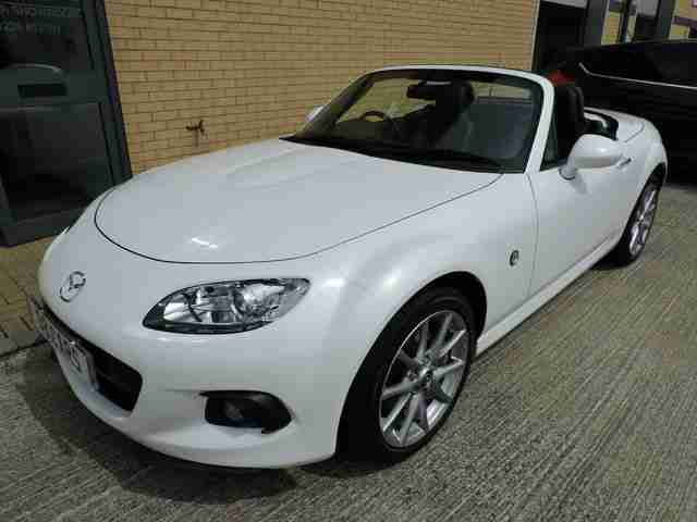 2013 MAZDA MX-5 2.0i SPORTS TECH ***ULTRA LOW MILES + GREAT SPEC INC SAT NAV***