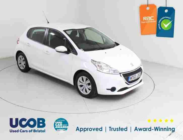 PEUGEOT 208. Isuzu car from United Kingdom
