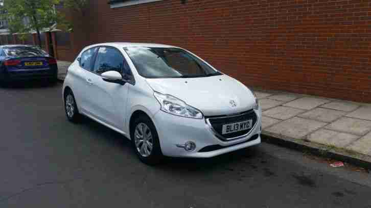 peugeot 2013 208 white 3 doors nil road tax 14408 miles only private. Black Bedroom Furniture Sets. Home Design Ideas
