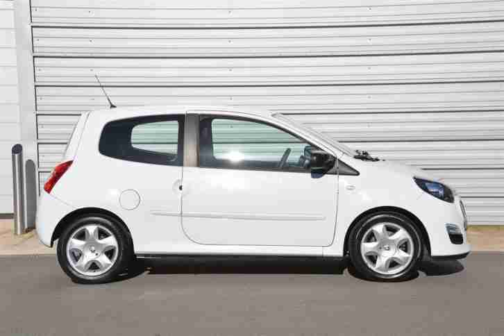 renault 2013 twingo 1 2 dynamique petrol white manual car for sale. Black Bedroom Furniture Sets. Home Design Ideas