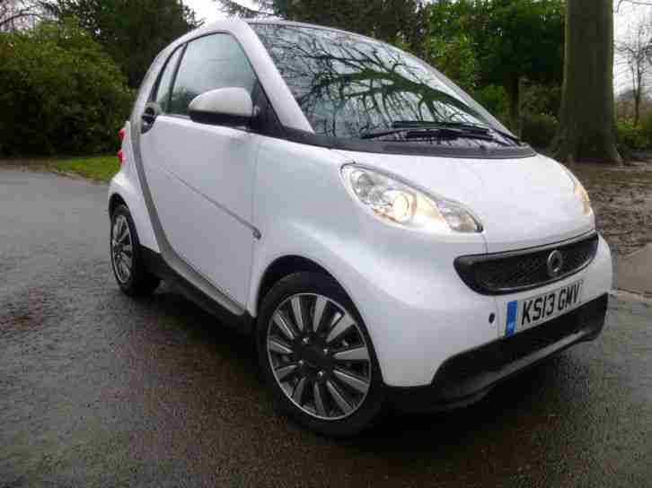smart 2013 fortwo pure 1 0 auto genuine 542 miles only car for sale. Black Bedroom Furniture Sets. Home Design Ideas