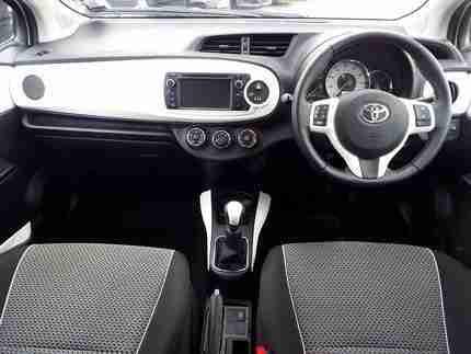Toyota 2013 YARIS TREND 13 5DR WITH REVERSING CAMERA MANUAL 5 DOOR