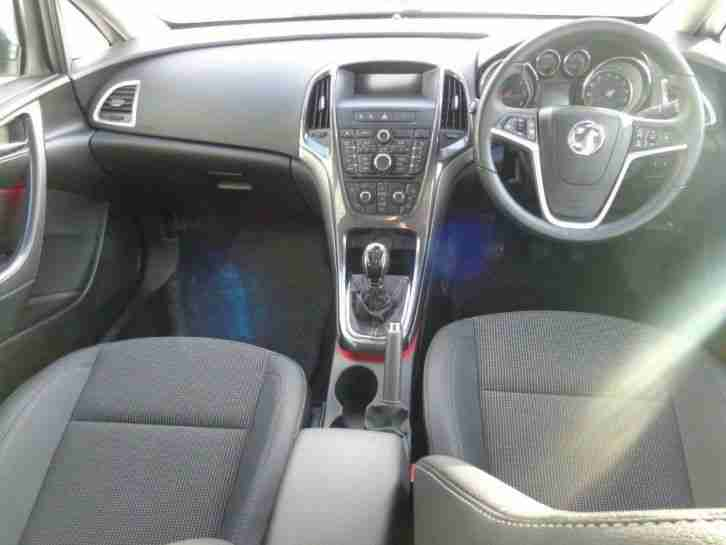 2013 Vauxhall Astra 2.0CDTi (s/s) SE 5dr