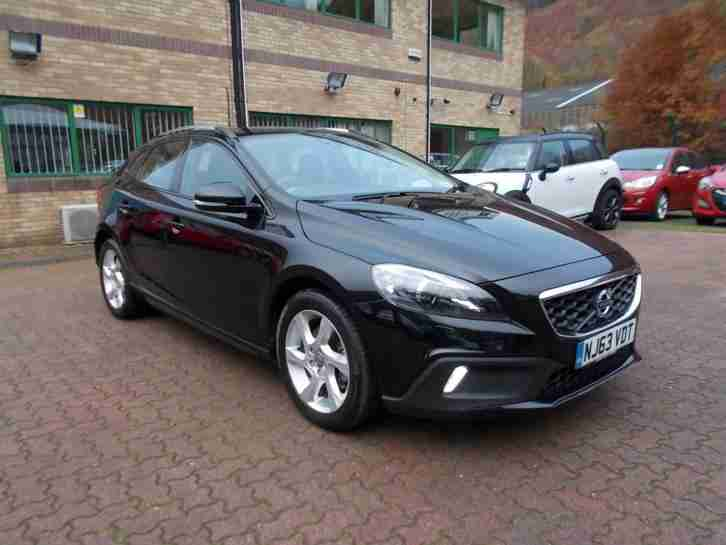 2013 V40 D2 CROSS COUNTRY LUX One Owner