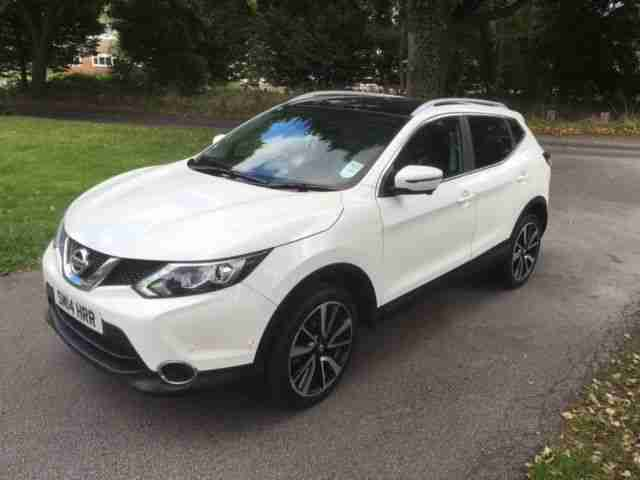 nissan 2014 14 qashqai 1 5 dci tekna white fsh car for sale. Black Bedroom Furniture Sets. Home Design Ideas