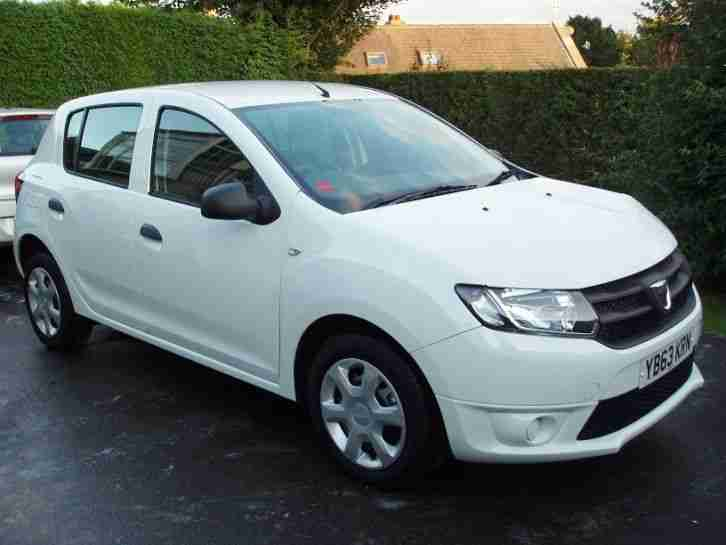 2014 63 dacia sandero 1 2 ambiance white damage repairable salvage. Black Bedroom Furniture Sets. Home Design Ideas