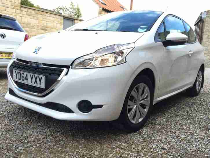 2014 64 PEUGEOT 208 ACCESS PLUS 1.2 MANUAL WHITE 11K MILES £20 TAX HPI CLEAR