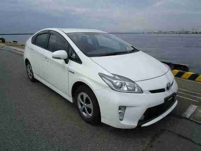 2014 64 TOYOTA PRIUS HYBRID 1800CC WHITE COLOR, ARRIVAL IN SEP 2019