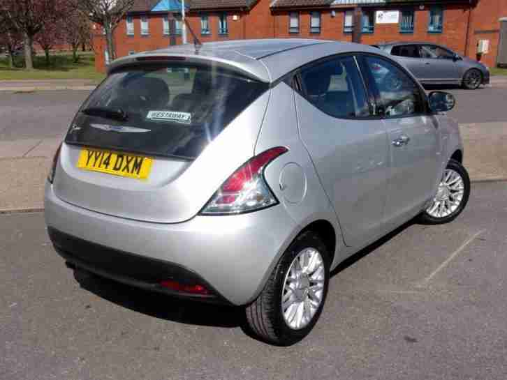 2014 Chrysler Ypsilon 0.9 TwinAir Gold 5dr start/stop Automatic Hatchback