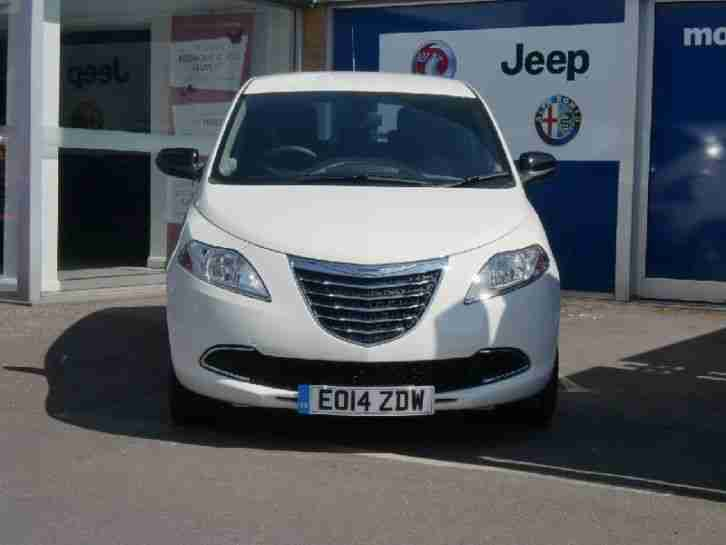 2014 Chrysler Ypsilon S-series Manual Petrol Hatchback