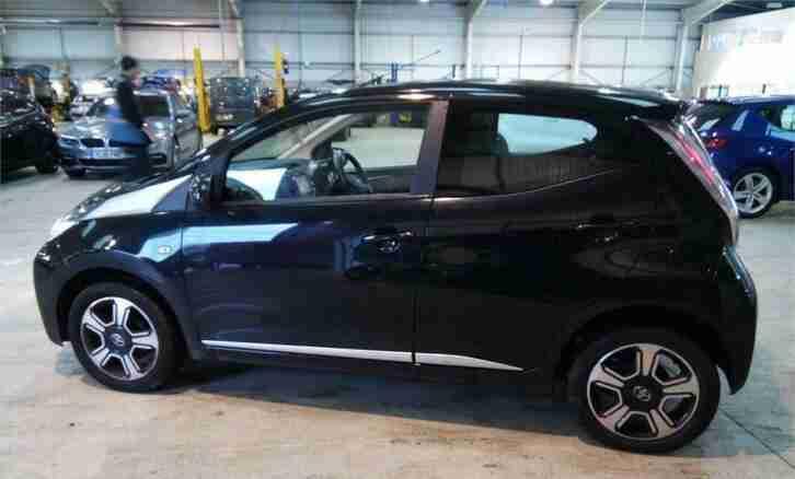 Toyota 2014 E AYGO 1.0 VVT I X CLUSIV 5D 69 BHP. Car For Sale