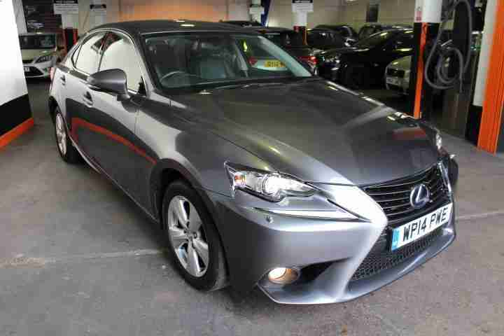 2014 Lexus IS 300h 2.5 SE E-CVT 4dr