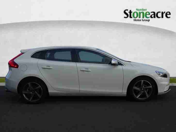 volvo 2014 v40 1 6 td d2 r design hatchback 5dr diesel manual start. Black Bedroom Furniture Sets. Home Design Ideas