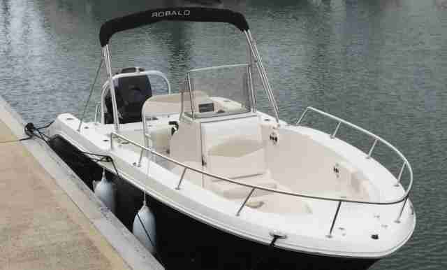 2015 ROBALO R200 CENTRE CONSOLE 200HP MERCURY VERADO TWIN AXLE TRAILER