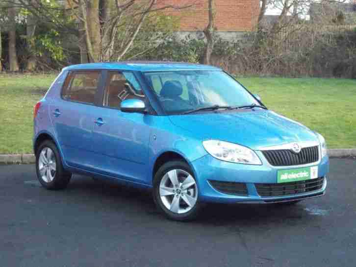 2015 Fabia SE 12V Petrol Blue Manual