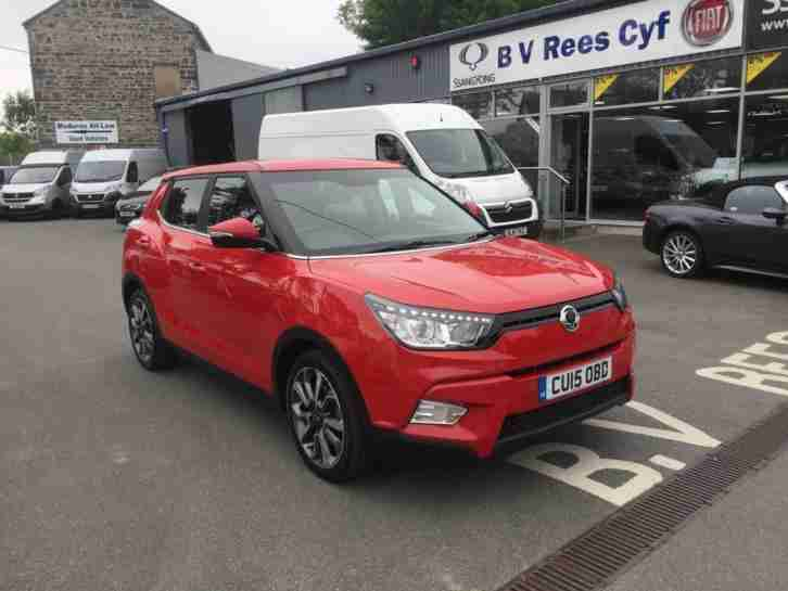 2015 Tivoli 1.6 ELX in Red. Full