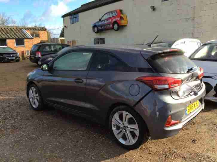 2016 16 Damaged repairable Hyundai i20 1.2 sport MPI, 3Door, Manual, Petrol.