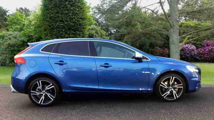 2016 Volvo V40 R-Design Pro with Sensus Navigation Diesel blue Manual