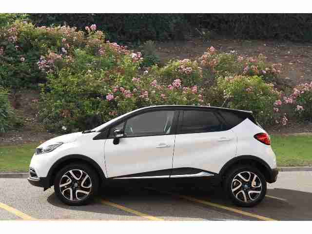 renault 2017 captur 1 5 dci 110 iconic ii nav 5dr diesel hatchback. Black Bedroom Furniture Sets. Home Design Ideas