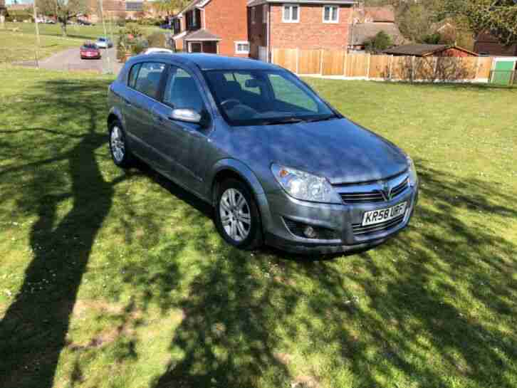 Vauxhall Astra Automatic. Vauxhall car from United Kingdom