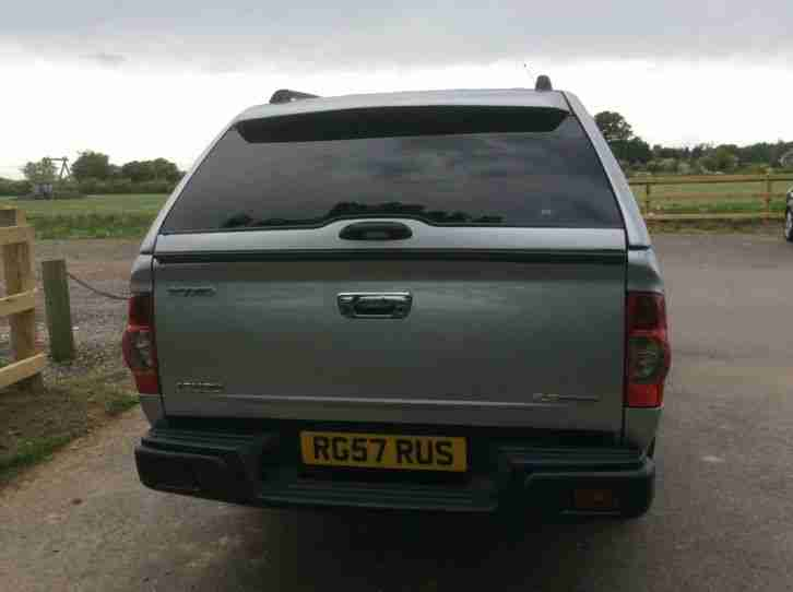 4 x 4 Isuzu Rodeo.. Silver.. Manual.. No VAT to pay