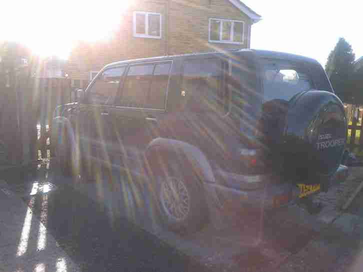 52 REG ISUZU TROOPER 3.0 DT CITATION 5 DOOR lWB SEVEN SEATER 4X4 MANUAL