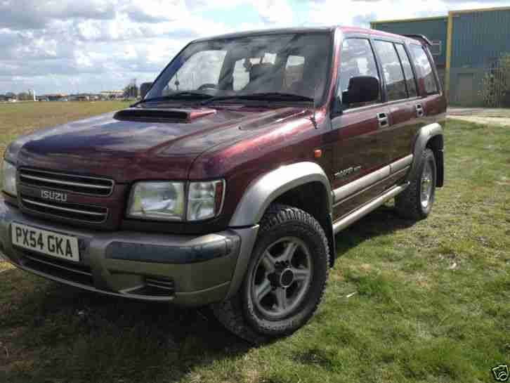Isuzu 2004 TROOPER DUTY DT LWB with our professional 3 1 conversion