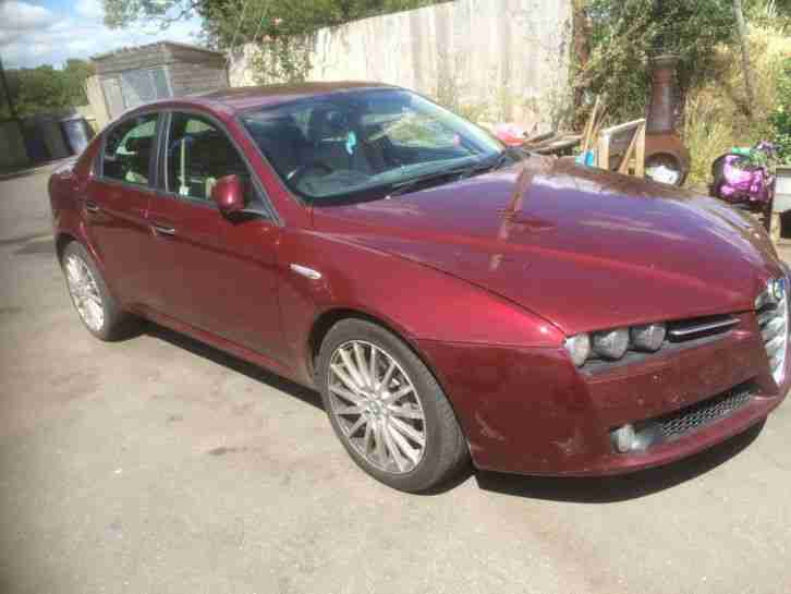 alfa romeo 159 lusso jts 3 2 4x4 red 4 door saloon 2006 56. Black Bedroom Furniture Sets. Home Design Ideas