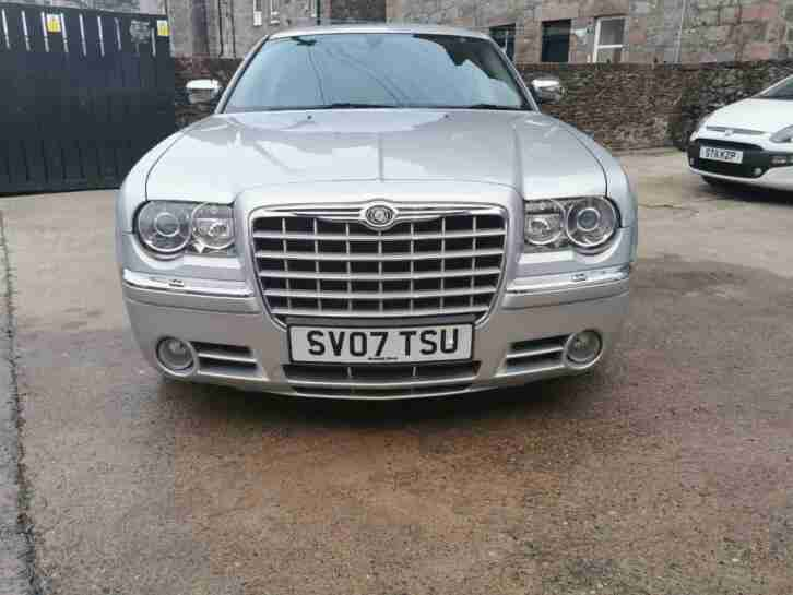 AUTOMATIC LUXURY CHRYSLER 300C ESTATE LOW GENUINE DIESEL MILEAGE IDEAL FAMILY