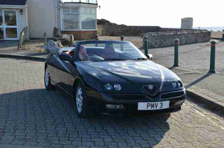 Alfa Romeo Spider V6 24V 2001 Black with Ox Blood Red Leather interior - Rare