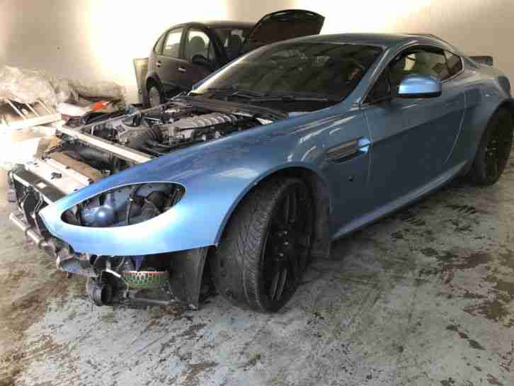 Aston Martin V8 Vantage Coupe 4.7 Sportshift Damaged Salvage