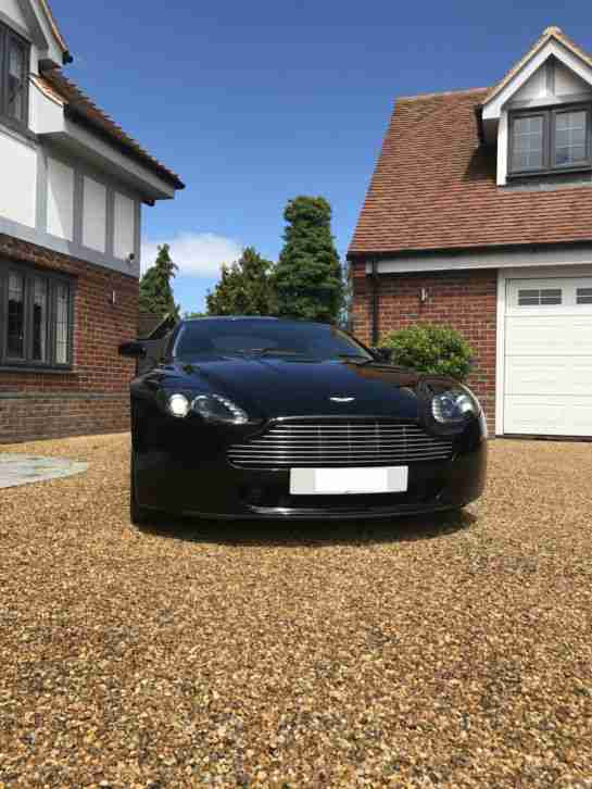 V8 Vantage Coupe Black