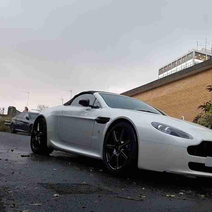Aston Martin Vantage Rare Morning Frost White 15k Extras Db9 Gtr