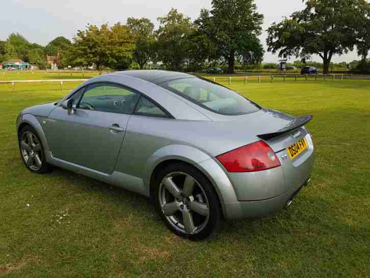 "Audi TT 3.2 V6 DSG 4x4 250hp, white leather heated seat, wheels19"", 28mpg"