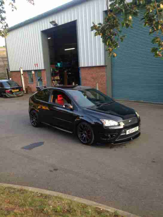 ford black focus st  modified show track car  bhp