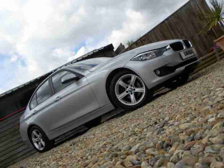 320I SE 2.0 XDRIVE RARE 4X4 NEW SHAPE