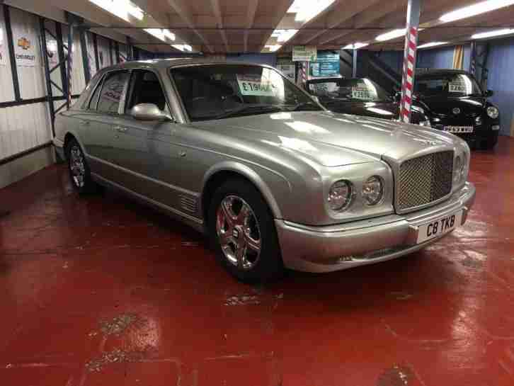 Bentley Arnage 4.4 V8 Saloon 4d 4398cc auto