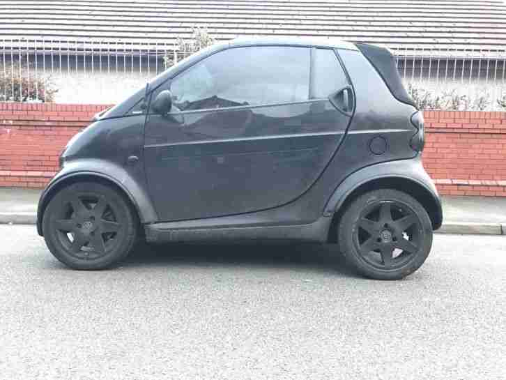 Black Smart City Cabrio Semi Auto 2003 Needs repair work