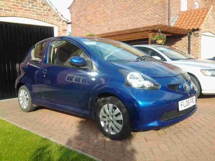 toyota blue aygo car for sale. Black Bedroom Furniture Sets. Home Design Ideas