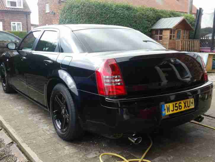 CHRYSLER 300C CRD. LUX PACK.BENTLEY LOOKS..JUST HAD SERVICE ..