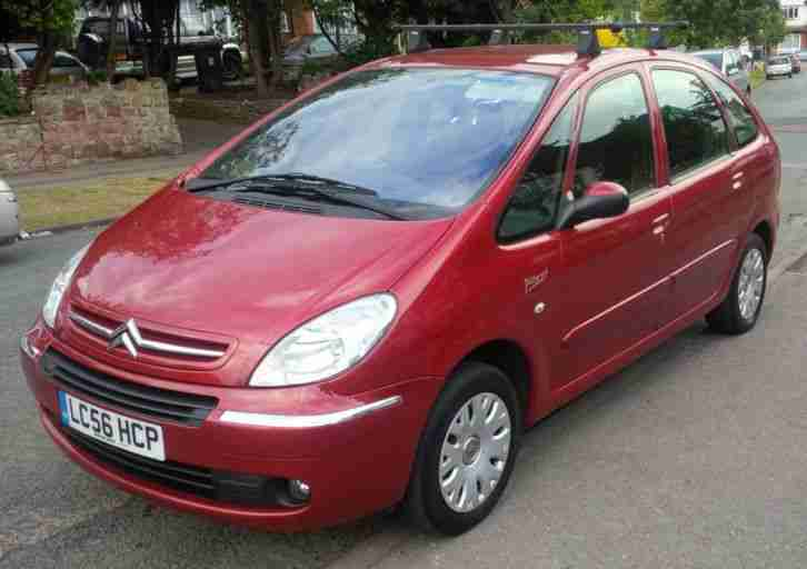 citroen xsara picasso 1 6 hdi diesel desire mpv in maroon. Black Bedroom Furniture Sets. Home Design Ideas